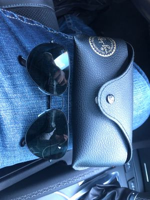 Ray ban sunglasses with case for Sale in Lexington, SC