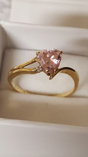 Vintage 10k Real Gold Ring with chip Diamond & pink Cz Diamond, 1.77grs Sz 7 for Sale in Covington, KY