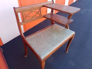 Antique Gossip Chair for Sale in Union City, CA