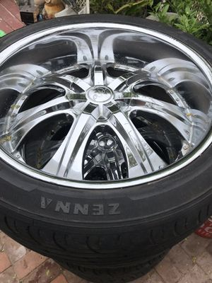 6-lug 24 in Chrome Rims for Sale in E RNCHO DMNGZ, CA