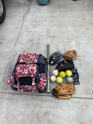 Softball gear 3 gloves Louisville slugger z2000 bat bag take the lot for 100.00 for Sale in La Mirada, CA