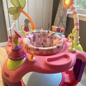 Baby Girl Bouncer for Sale in Elyria, OH
