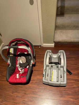 Graco fast action travel system snugride 30 stroller carseat for Sale in San Jose, CA