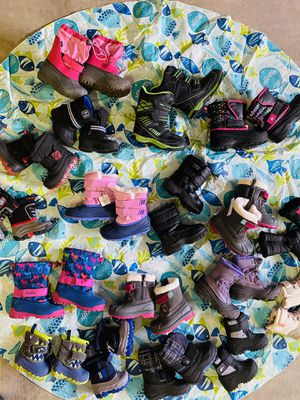 Snow boots for kids $20 each for Sale in Waddell, AZ
