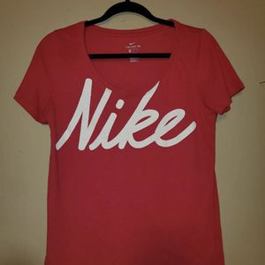 Nike Women's Dri Fit Athletic Cut Tshirt for Sale in Sharon, PA