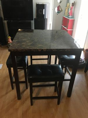Kitchen table for Sale in Lake Wales, FL