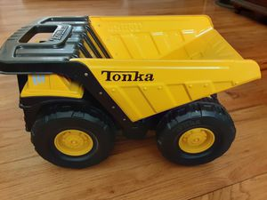 Tonka Classic Mighty Dump truck for Sale in Fresno, CA