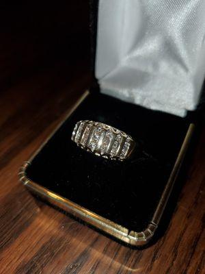 10kt Gold Diamond Ring for Sale in Nuevo, CA