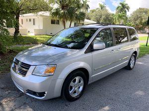 2008 Dodge Grand Caravan SXT for Sale in Miami, FL