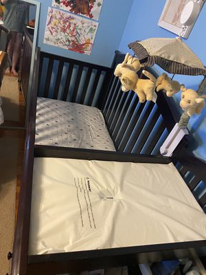 Crib and changing table combo for Sale in Yonkers, NY