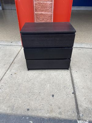 3 drawer chest for Sale in Takoma Park, MD