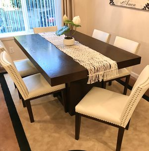 Dining table set plus FREE chandelier for Sale in Federal Way, WA