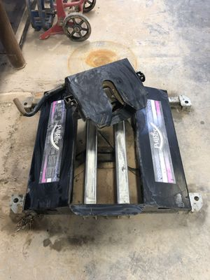 Pullrite 3100 superglide 12k 5th wheel hitch for Sale in Lubbock, TX