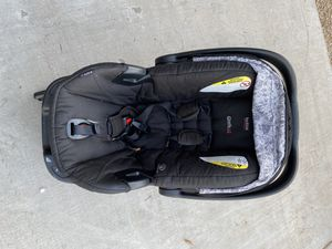 Britax B-safe car seat and stroller for Sale in Phoenix, AZ