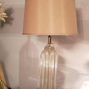 Mid century sculpted lucite table lamp for Sale in Orlando, FL