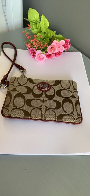 Coach wristlet for Sale in Lake in the Hills, IL