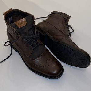 Levi's brown boots New for Sale in Tamarac, FL