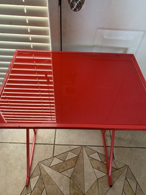 Small desk for Sale in Kissimmee, FL