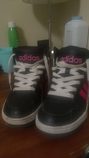Adidas size 3 1/2 for Sale in Cleveland, TN