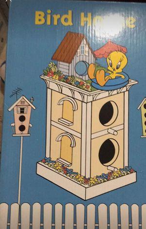 WB Tweety Bird: Bird house for Sale in Gaithersburg, MD