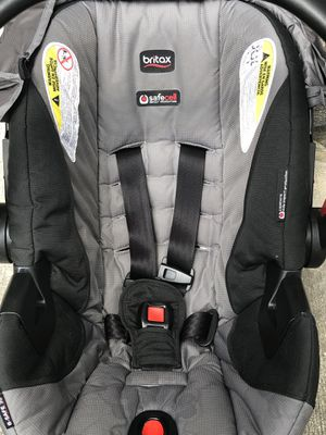 Britax B-Safe 35 Infant Car Seat - Black Plus Base for Sale in Wind Gap, PA