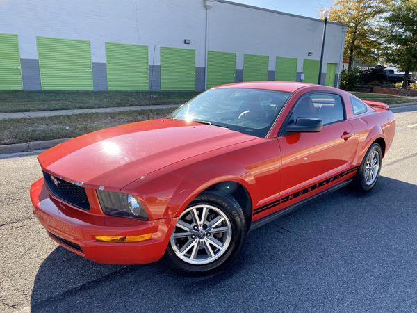 2005 Ford Mustang Clean Title & Runs Excellent
