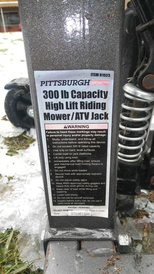 Adjustable Jack for tractor for Sale in Pittsburgh, PA