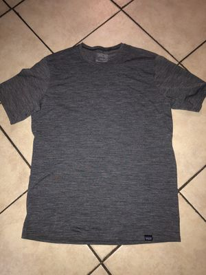 Sz small Patagonia work out shirt for Sale in El Monte, CA