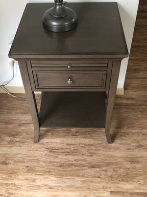 Real Wood End Table for Sale in Kent, WA