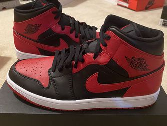Jordan 1 Mid *Banned* Size 11 for Sale in Bothell,  WA
