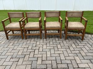 This end up kitchen table chairs for Sale in Windermere, FL