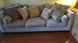 Beautiful FREE sofa! Just pick it up! for Sale in Fort Lauderdale, FL