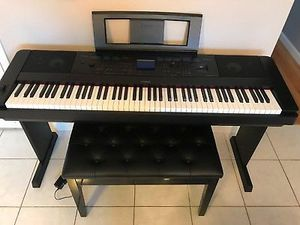 Yamaha DGX660 Digital piano/keyboard for Sale in Moreno Valley, CA