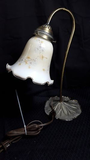 """14"""" glass lamp metal stand for Sale in Zanesville, OH"""