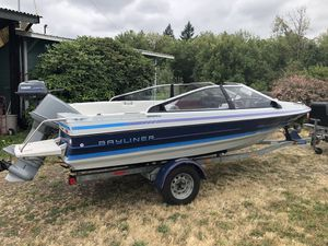 16ft Bayliner runabout new upholstery nice boat for Sale in Ridgefield, WA