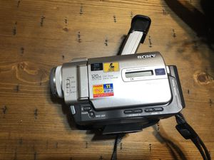 Sony DCR-TRV20 Camcorder for Sale in Broadview, IL