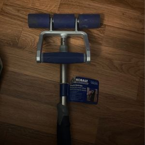 Extension Handle Roller for Sale in Orlando, FL