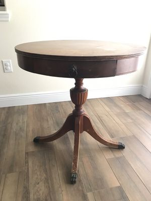 Antique pedestal table for Sale in Sarasota, FL