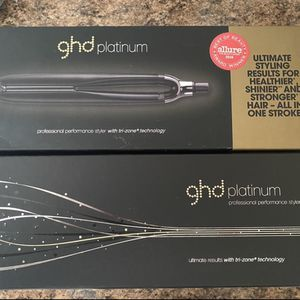 GHD Platinum Flat Iron With Sensor for Sale in Beverly Hills, CA