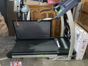 Treadmill For sale HORIZON LS76OT for Sale in Everett, WA