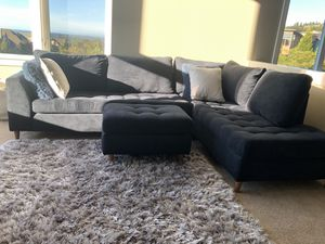 Sectional couch for Sale in Issaquah, WA