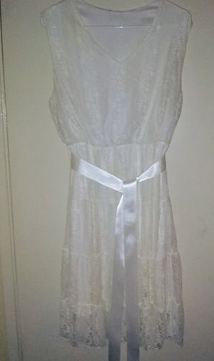White lace dress size 14 for Sale in San Leandro, CA