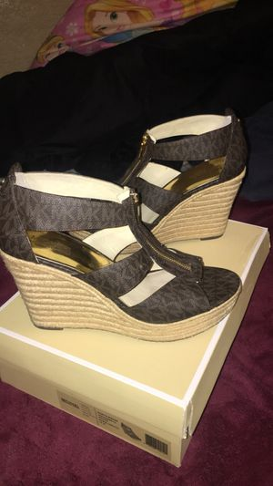 Original Michael Kors wedge shoes size 10 for Sale in El Centro, CA