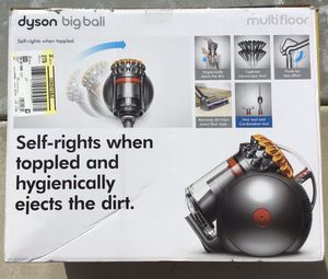 Dyson Big Ball Multi floor for Sale in Victorville, CA