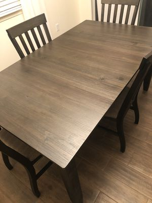 5 Piece Dining Table Set for Sale in Dinuba, CA