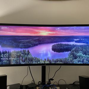 UltraWide Curved UHD Monitor for Sale in New York, NY