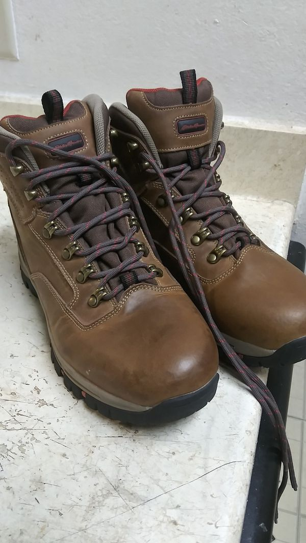 Size 9.5 EDDIE BAUER BOOTS. IN NEW CONDITION
