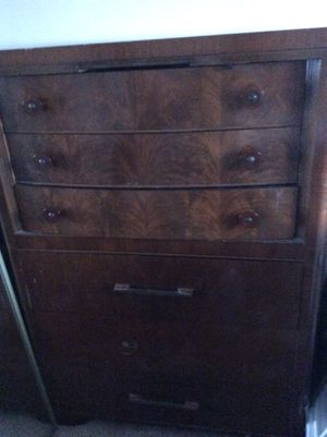 Antique draws, the top has a pull out compartment, jewelry mirror, very unique, one handle on draws missing deco style furniture for Sale in Torrance, CA