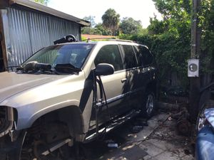 GMC Envoy FOR PARTS for Sale in Tampa, FL