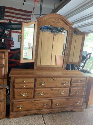 Oak bedroom furniture for Sale in Litchfield Park, AZ